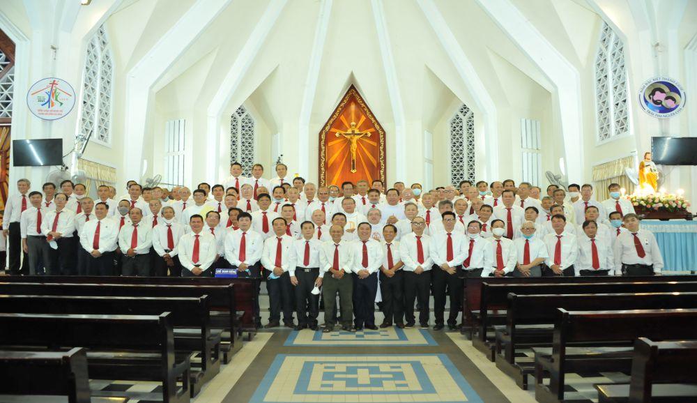 Thánh lễ Mừng Bổn Mạng Hội Gia Trưởng Giáo Xứ Đức Mẹ Hằng Cứu Giúp: 30/04/2021