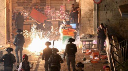 Hàng trăm người Palestine và cảnh sát Israel bị thương trong các cuộc đụng độ ở Giêrusalem