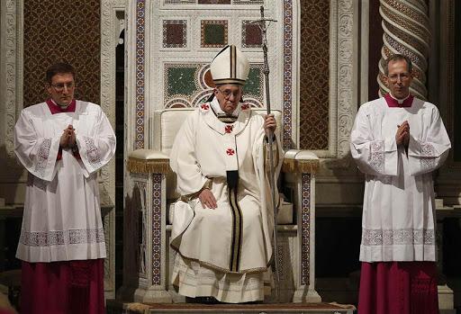 Ex Cathedra – Đức Giáo hoàng và các Đức Giám mục thi hành quyền bính giáo huấn như thế nào?