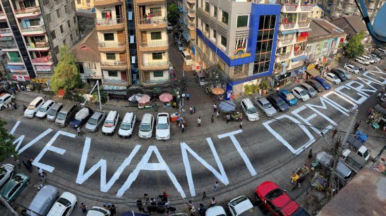 LHQ kêu gọi các biện pháp trừng phạt mới đối với quân đội Myanmar