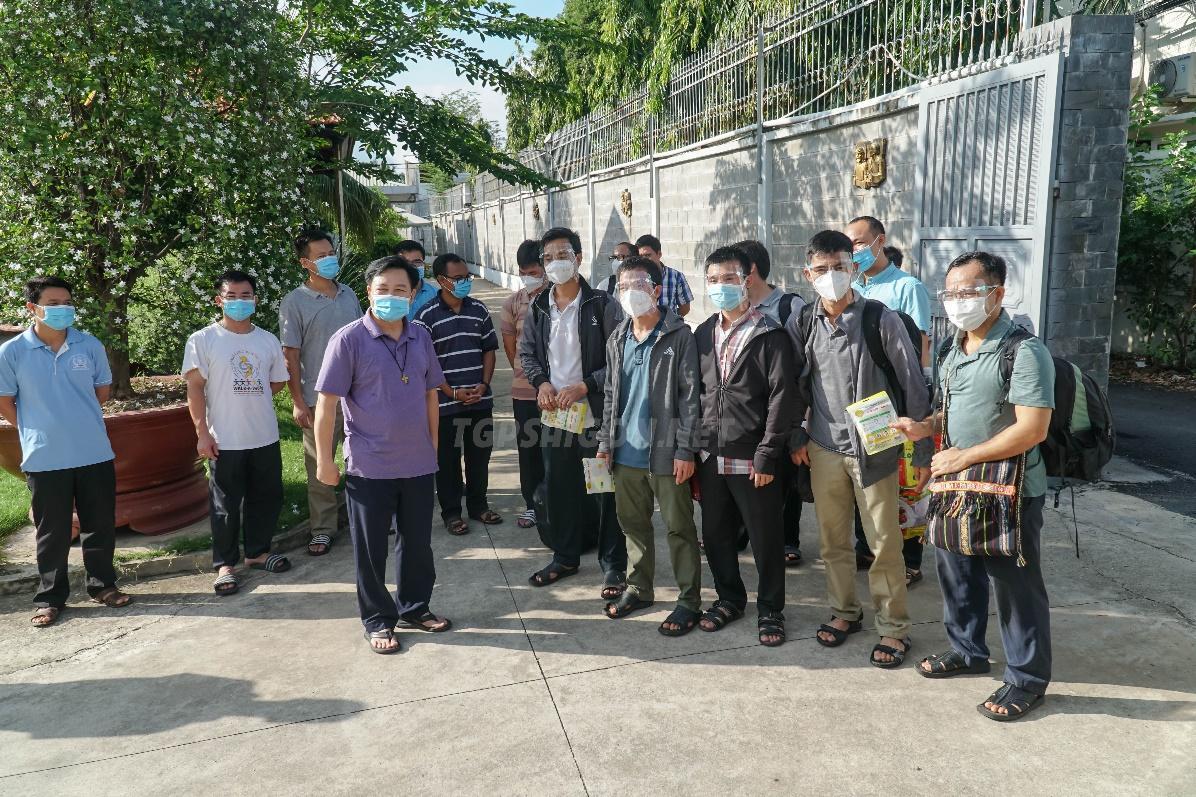 62 Tu sĩ lên đường phục vụ bệnh nhân Covid-19 tại bệnh viện Dã Chiến 16